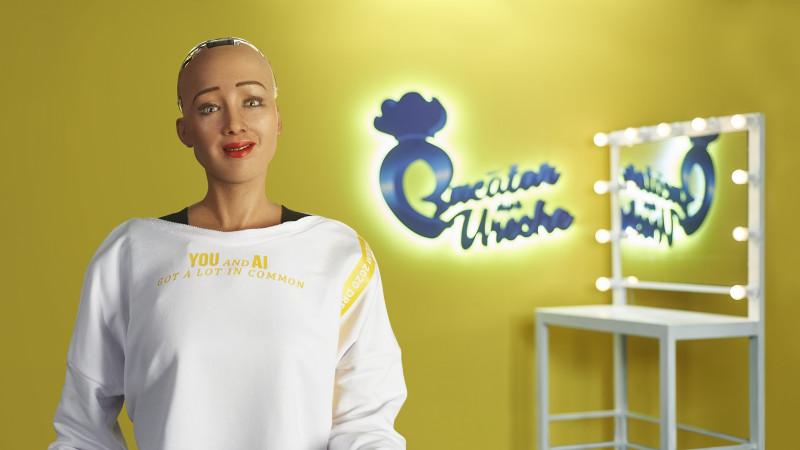 Sophia the Robot intră în bucătărie alături de Chef Florin Dumitrescu și Andrei Aradits, la Bucătar după Ureche, primul show de gătit marca Lidl