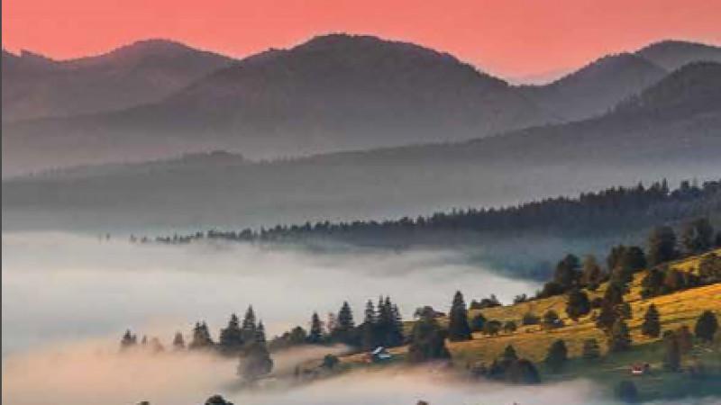 """""""La pas prin România"""", prima broșură montană realizată de turiștii fotografi"""