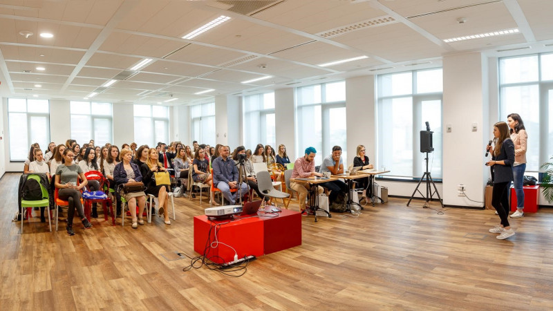 5 tinere românce vor merge la Technovation Challenge 2018 din Statele Unite ale Americii