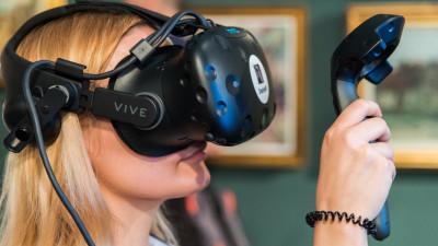 Creative VR, experiență digital - artistică pentru BCR la Art Safari