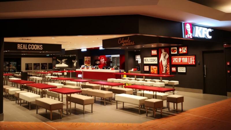 Sphera Franchise Group deschide o nouă locație KFC în Italia, a treia din acest an