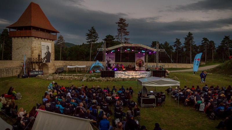 """Premiere la FFIR 2018: Proiecție specială """"Reconstituirea"""", competiția de film documentar și școala de vară de jazz coordonată de Mircea Tiberian"""