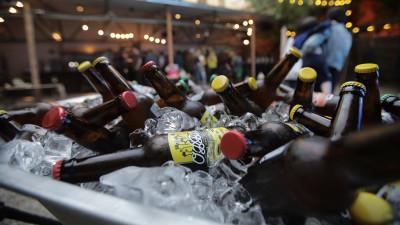 Pentru că este #25YearsYoung, Lowe Group sărbătorește cu o bere proprie