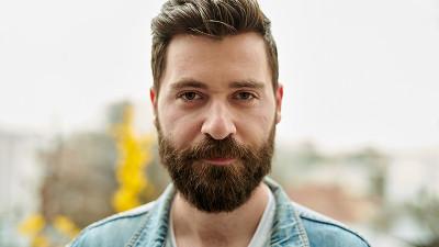 [Publicitatea in aer] Mihai Costache (MullenLowe): E un spatiu fantastic pentru imaginatia unui creativ, dar radioul a ajuns un mediu fara prestigiu