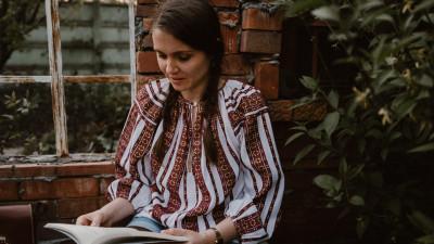 """[Digital Nomads Inc] Denisa Radu și nomadul responsabil: """"Nevoia cea mai mare e să transmitem întreaga poveste, nu doar etapa lunii de miere"""""""