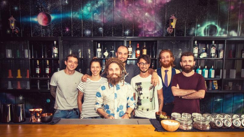 BarTechs: O echipă de esență tare ne arată ce înseamnă să fii barman