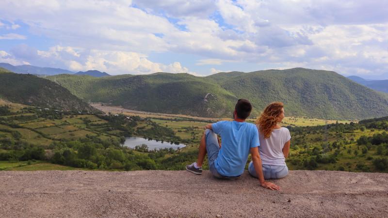 [Digital Nomads Inc.] Cateva luni aici, cateva saptamani acolo. Despre libertate, Simona Stanescu si Alex Vrinceanu (Lipa-lipa.ro)