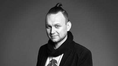 [Adland prin vecini] David Suda (WMC | GREY Cehia): Nu luăm lucrurile în serios. Operatorii de telefonie mobilă se luptă unii cu alții care e mai amuzant. Trendul ăsta a ocupat și sectorul bancar