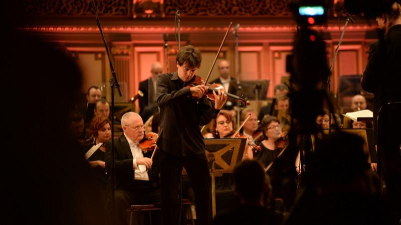 """Președintele juriului Concursului Internațional """"George Enescu"""" a premiat la secțiunea vioară locurile doi și trei"""