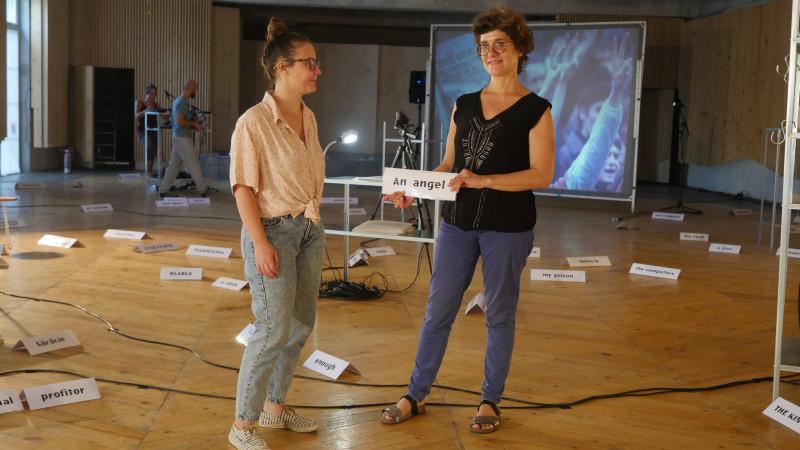 """Clyde Chabot și Ruxandra Gubernat despre conceptul instalației """"Un Muzeu (teatru)"""": colapsul visului comunist"""