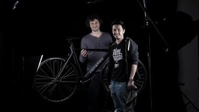 7,9 kilograme de bicicletă premium, produsă de publicitari