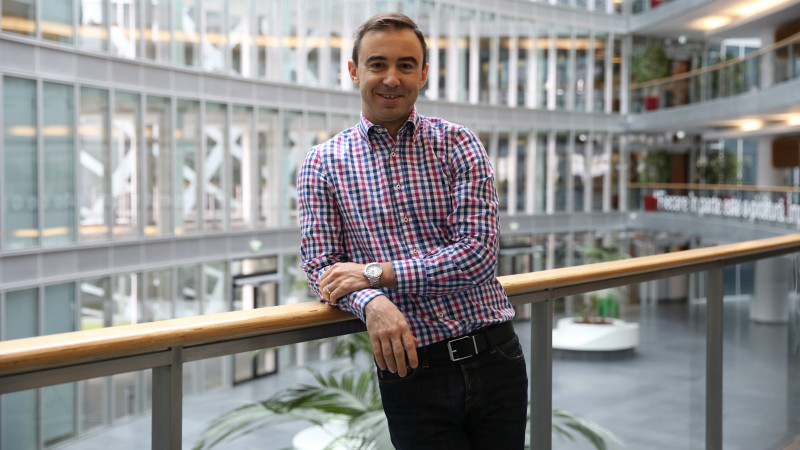 [Marketer Profile] Bogdan Toacse: Multi nu-si dau seama de asta, dar un om de marketing trebuie sa zambeasca. Pozitiv si cu fata la joc