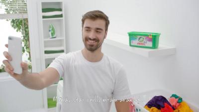 Cat vor sa mai simplifice lucrurile brandurile de detergenti, astfel incat sa puna si barbatii la spalat?