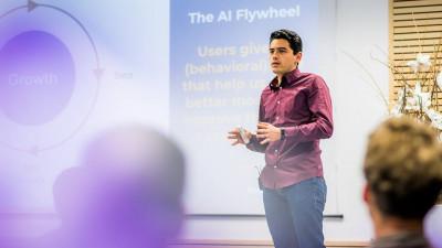 Află cum inteligența artificială și tehnologiile viitorului schimbă sistemul bancar și influențează cybersecurity la Codiax 2018