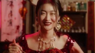 Dolce & Gabbana iubește China, dar China nu prea iubește ce face Dolce & Gabbana