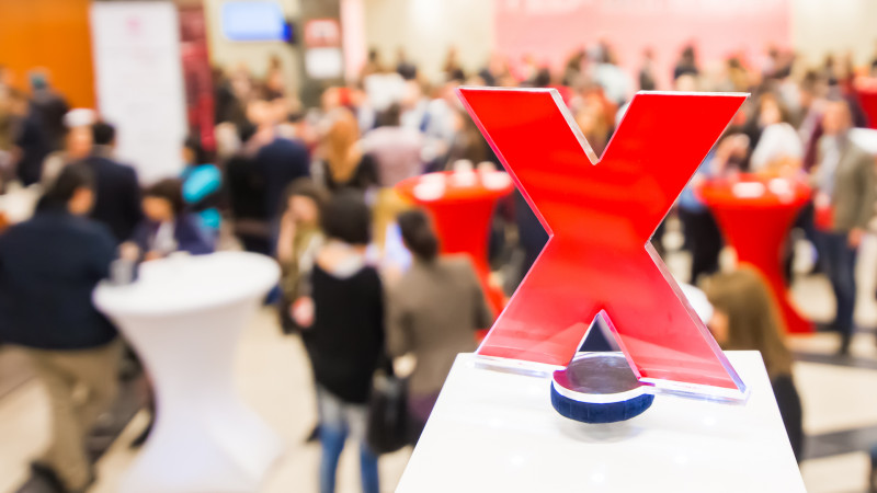 A zecea ediție TEDxBucharest aduce pe scenă 19 vorbitori cu povești puternice despre cum și-au depășit barierele
