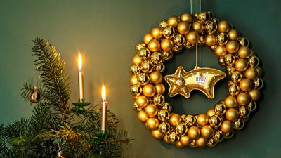 Împodobește clipele speciale în note de sărbătoare cu noi decorațiuni recomandate de Ferrero