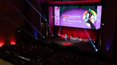 Ediția aniversară TEDxBucharest a avut loc în acest weekend și a adunat peste 800 de participanți care s-au lăsat inspirați de idei care merită împărtășite