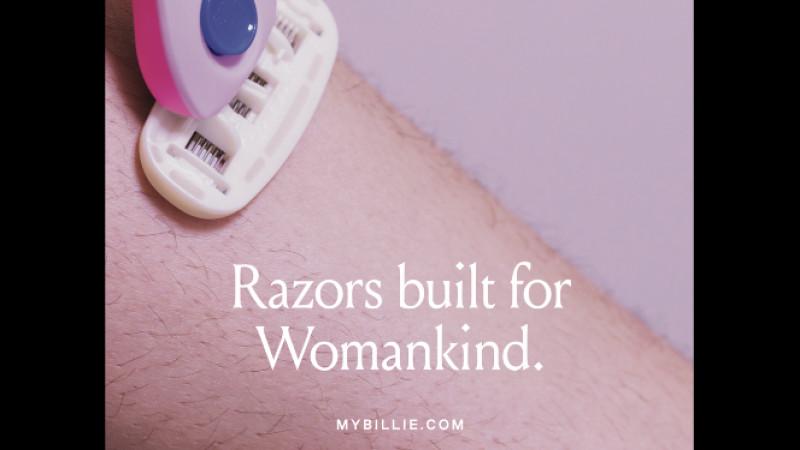 Este 2018 si femeile au par pe picioare