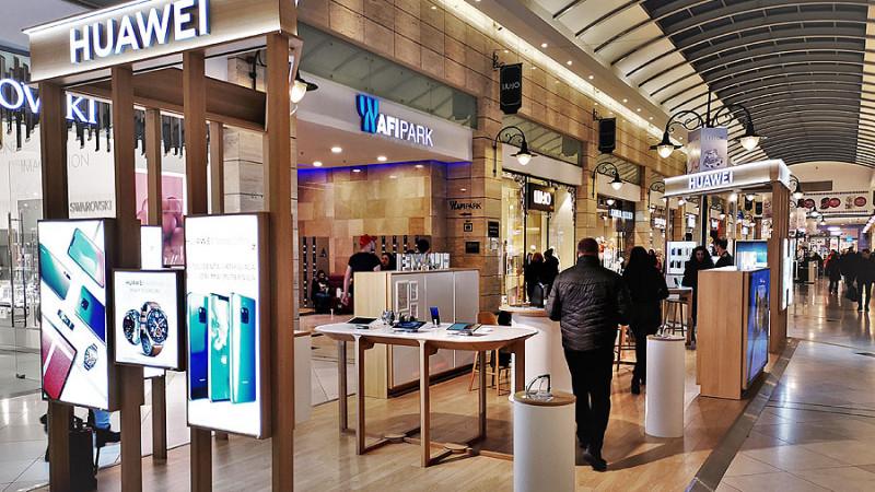 Huawei deschide primul Experience Shop în România