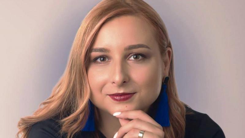 [fresh x design] Simona Girbou (Bizar Concept): Incerc sa folosesc metale reciclate si pietre extrase din mine, cu politici de exploatare etice