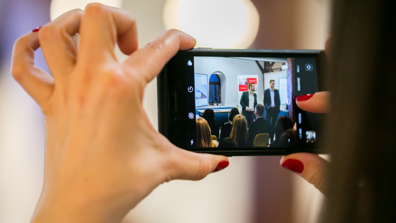 Lipsa răbdării, minimalismul și fuga de branduri sunt printre cele mai relevante tendințe analizând comportamentul românilor în 2019, conform studiilor iSense Solutions