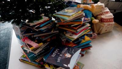 Prima bibliotecă făcută din donaţiile copiilor