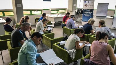 Smart Integration vine în sprijinul persoanelor care doresc să își îmbunătățească abilitățile profesionale din Regiunea Vest