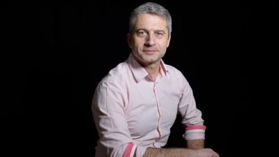 Tudor Mușat: Se investește mult în fake news și puțin în combatere. Politicienii sunt actorii principali, jurnaliștii fac față greu, publicul reproșează