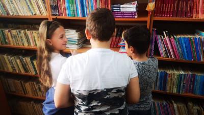 Sala de recreere pentru copii a spitalului de la Curtea de Argeş a fost dotată cu cărţi donate de copii şi părinţi din Bucureşti