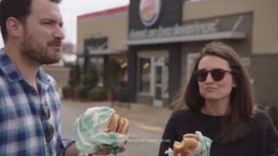 Burger King lansează burgerul cu carne artificială