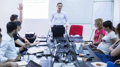 Copywriterii trec la nivel intensiv într-un nou program de training organizat de Cursuri Creative