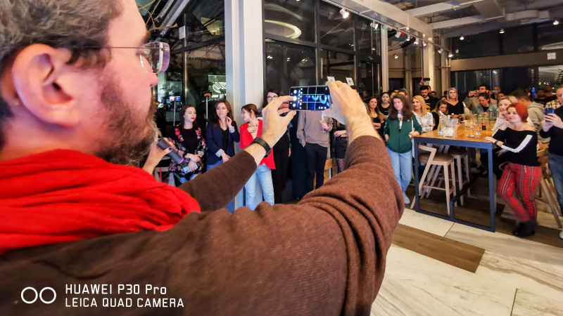Huawei P30 Pro – smartphone-ul care aduce Luna de 50 de ori mai aproape