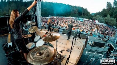 """[Doi-zece, muzici noi] Andy Ionescu și TAINELE sale. Adică trupa """"cea mai prog-death-metal de la începutul anilor '90"""""""