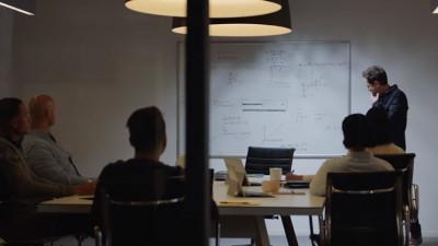 Cum se intră în lumea digitală: cu puțină autoironie