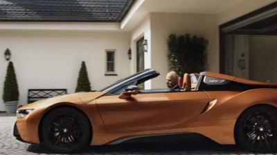 Glumiță BMW la pensionarea directorului Mercedes Benz