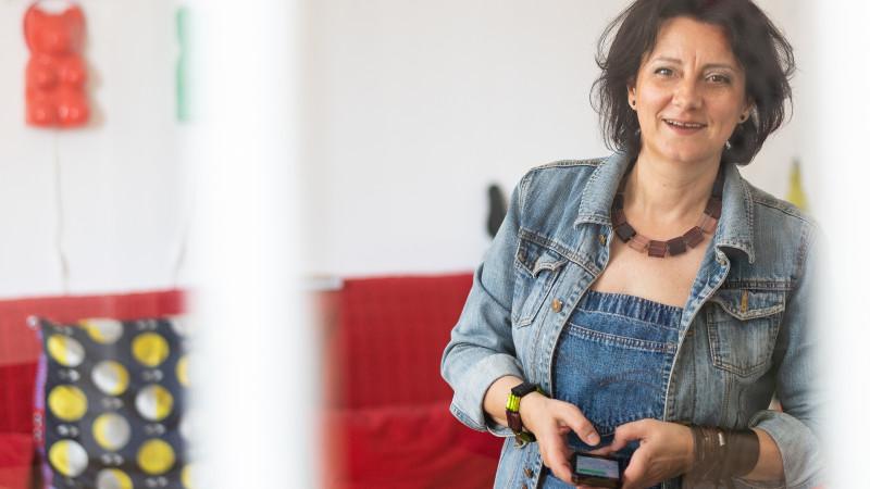 """Mona Dîrţu: Cine vă zice că se poate face storytelling din birou, """"de pe net"""", e un mare impostor"""