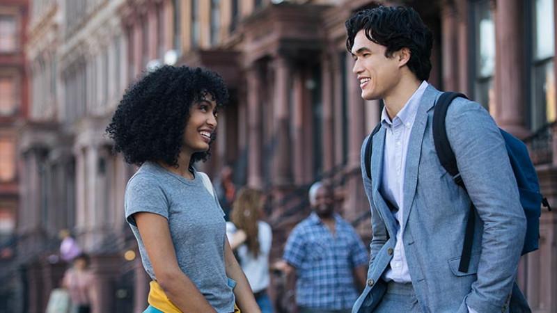 """""""The sun is also a star/ Și Soarele e o Stea"""" - costumele, muzica și New York-ul, ingredientele care fac posibilă iubirea"""