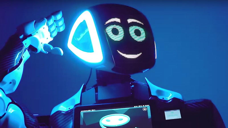 UiPath, Google și alte mari companii dezbat la București cum inteligența artificială si robotizarea schimbă economia. Moderator al scenei AI&ROBOTICS de la iCEE.fest: UPGRADE 100 va fi robotul 3-5CU
