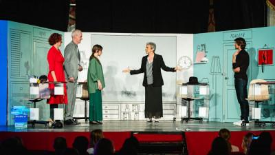 #ViațaLaBirou, prima piesă de teatru din România scrisă special pentru o companie privată