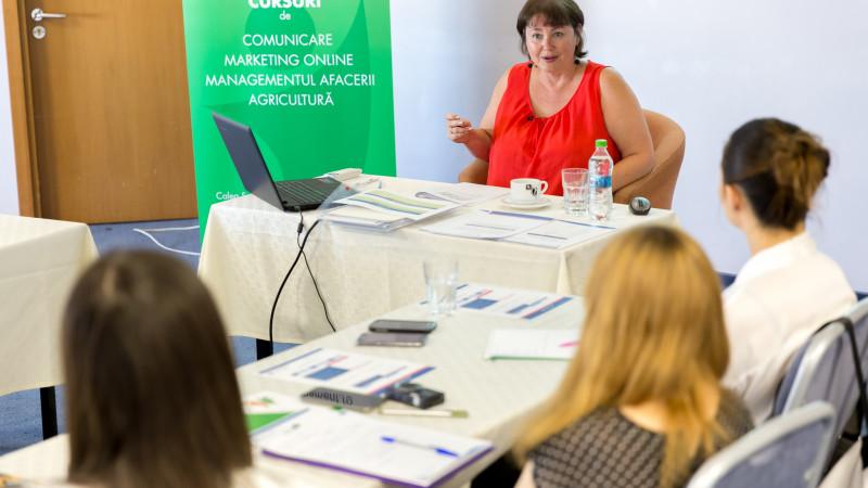 """Kelly Freeman, expert în comunicare: """"Cea mai mare calitate a unui lider este capacitatea de a-și asculta angajații"""""""