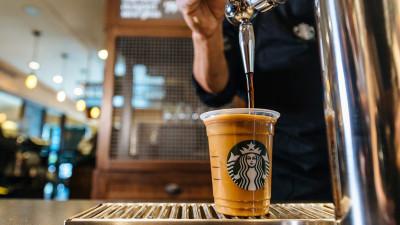 Starbucks lansează în premieră în România Nitro Cold Brew, cea mai tare băutură a verii