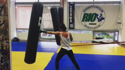 [Obsesii part-time] Andreea Clincea (Geometry): Nu fac kickboxing pentru ca-mi place sa lovesc oameni sau sa ma bat cu cineva