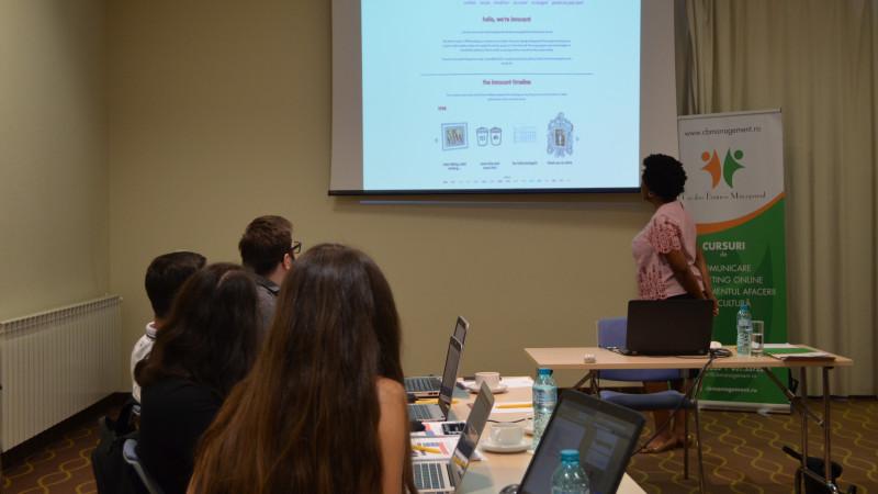 """Desiree Banugo, expert în social media: """"Oamenii își petrec de 10 ori mai mult timp pe aplicațiile mobile decât pe site-uri"""""""