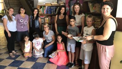 2 biblioteci au fost donate copiilor din proiectul social Hero After School, prin campania Dăruiește o lume de basm