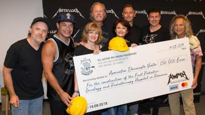 Trupa Metallica donează 250.000 de euro pentru inițiativa #NoiFacemUnSpital