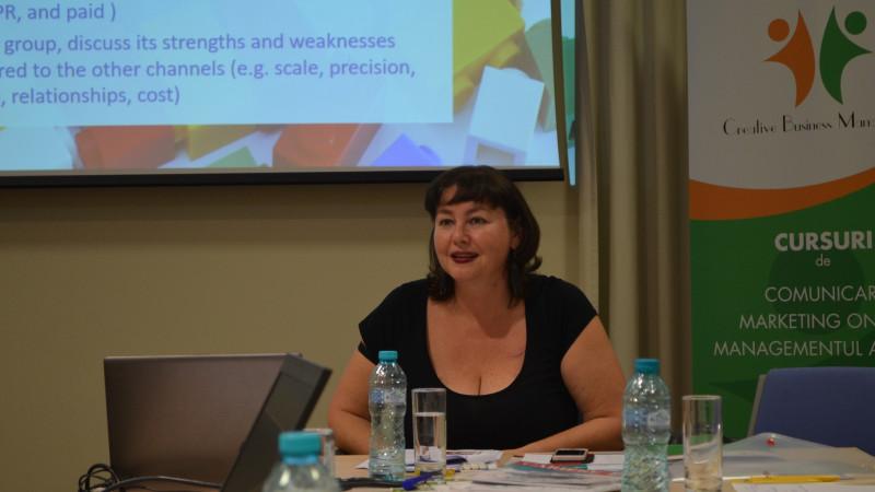 """Kelly Freeman, expert în comunicare: """"O comunicare internă bună este vitală pentru construirea culturii organizaționale"""""""