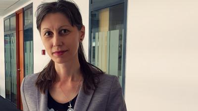 [In echipa lui George] Gabriela Nicolae: M-a surprins sa descopar colegi cu inclinatii artistice, pe care nu banuiam ca ii pot intalni intr-o banca