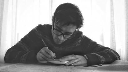 [Obsesii part-time] Adrian Anghel (Heist Industries), de la campanii în social media până la un volum de poezie de sertar și unul viitor de proză scurtă