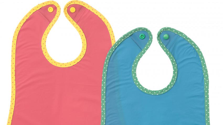 IKEA recheamă baveta pentru bebeluși MATVRÅ, în culorile Albastru/Roșu (2 buc.), din cauza pericolului de sufocare